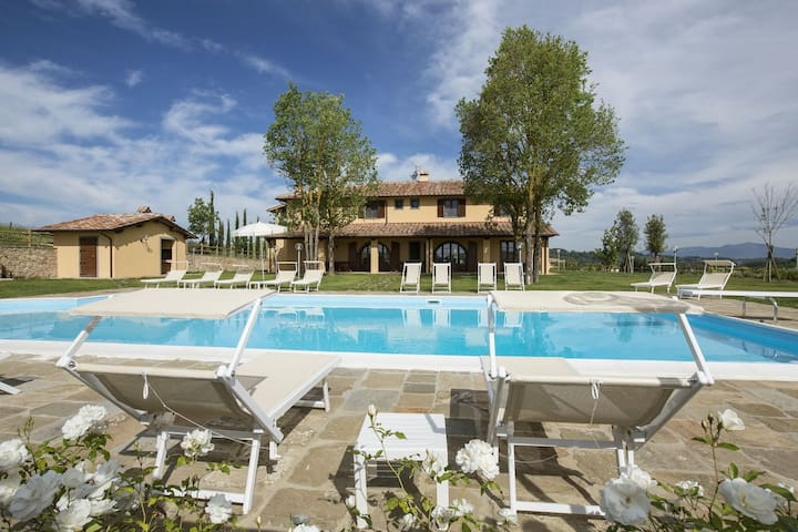 Luxurious Apartment in Casciana Terme with Barbecue