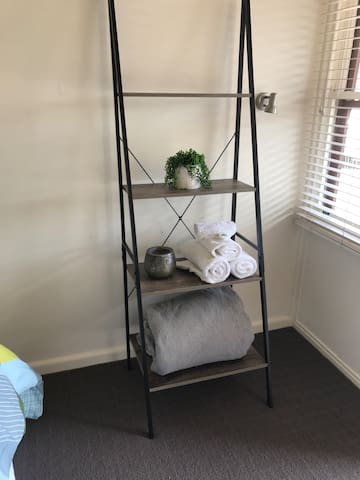 Motel Room 2 with Ensuite - Stanhope - Inny
