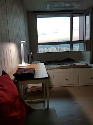 깔끔하고 아늑한 스튜디오/ Clean and Cozy Studio in Gwangju