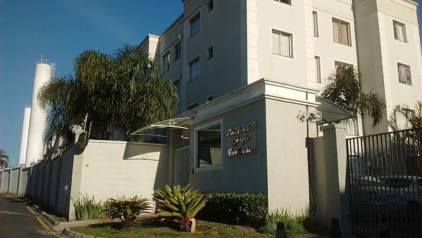 Apartamento aconchegante. Simples mas acolhedor - São José dos Pinhais - Apartament