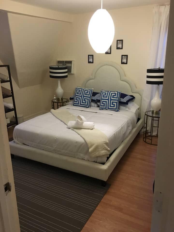 Cozy Tampa Apartment
