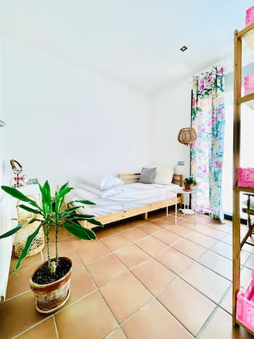 Single Bedroom with exit to the Main Terrace.