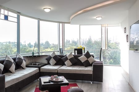 ALL IN ONE*LUXURY*SAUNA*WIFI*3BR* - Quito - Lakás