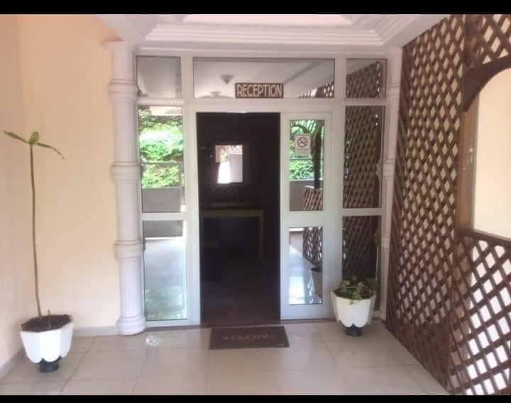 Hôtel NAVARO