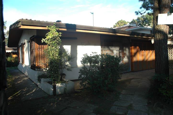 Villa Lignano Pineta 200 m dal mare