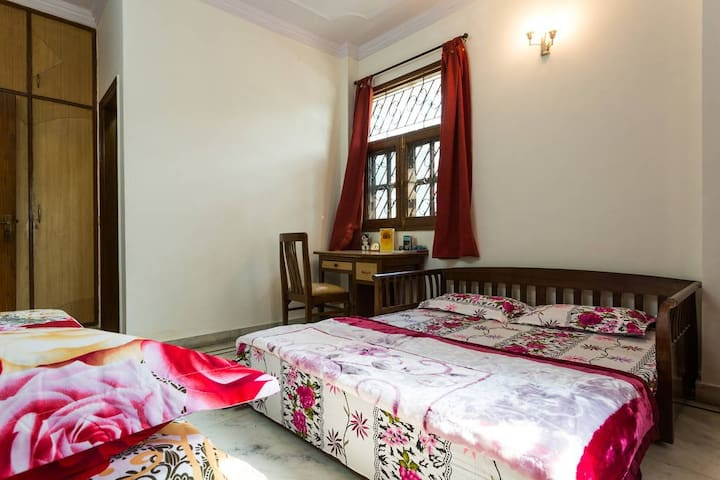 Anmol & Migmar's HomeStay : Friendly, Safe, Secure - Neu-Delhi