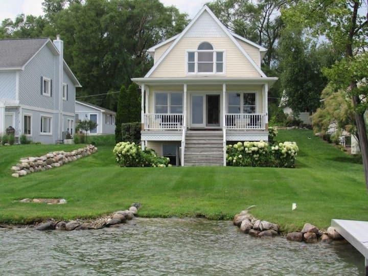 Comfortable Lakeside Getaway