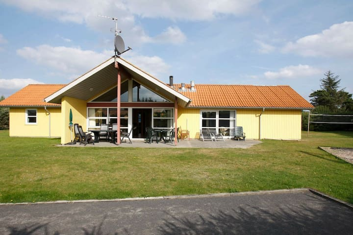 5 star holiday home in Hadsund