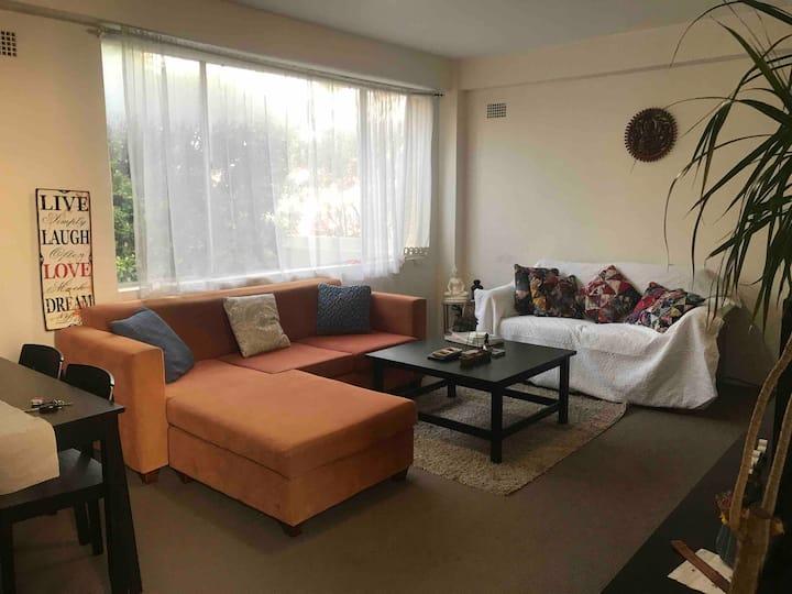 Clean and fresh room in boho Bondi apartment