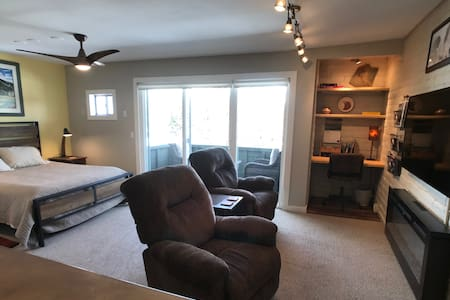 Warm and Cozy, Style and Location