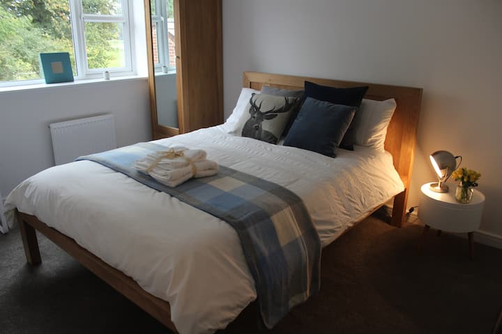 Superb room, 10mins to Univ. of Nottingham W/E