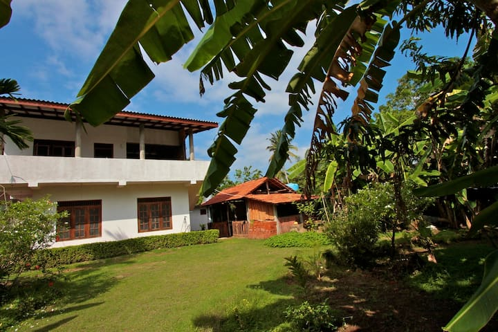 SOFIANS GARDEN VILLA & ROOMS (No 3)