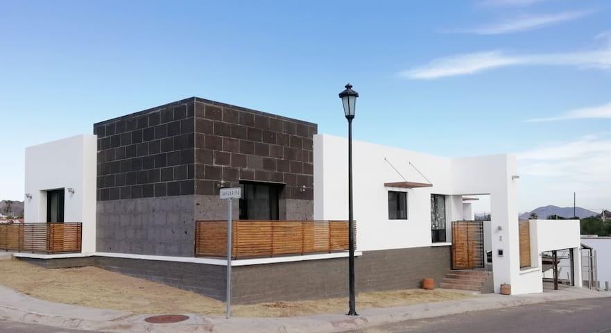 MODERN HOUSE AT SAN CARLOS, SONORA.
