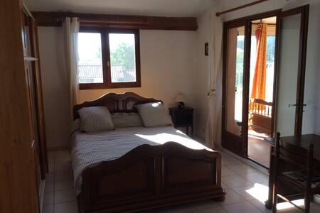 Location petite Villa meublée T3 dans Alpilles - Eyguières