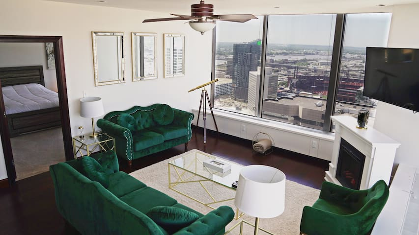 Luxury Penthouse in the heart of downtown St.Louis