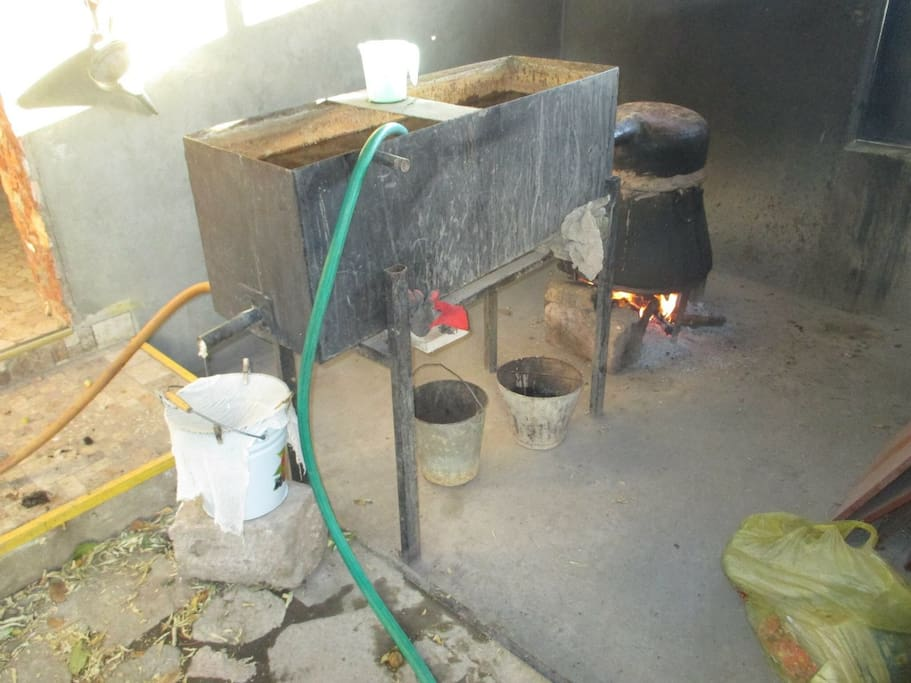 Traditional alcochol machine