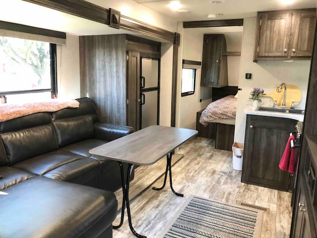 Brand New & Spacious RV!