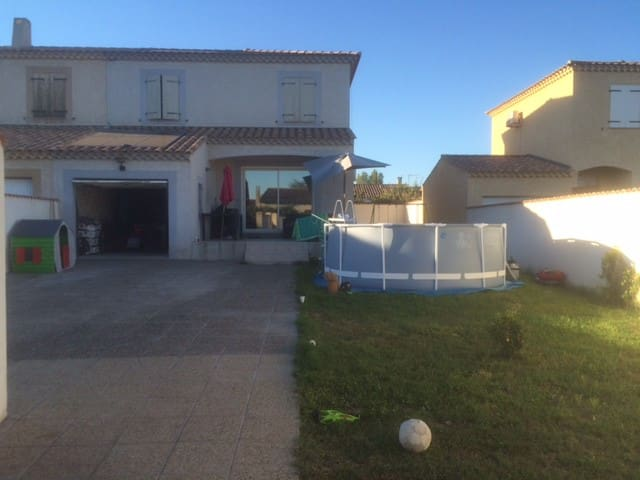 Maison Villa avec Piscine et Spa - Jonquières-Saint-Vincent - House
