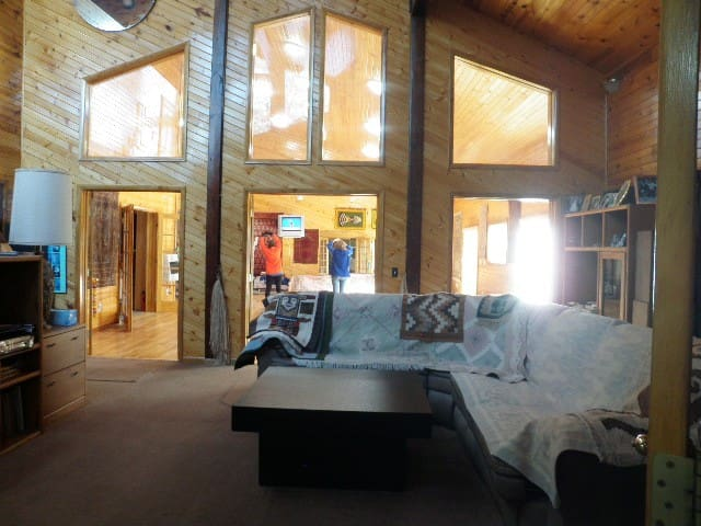 Pine Grove Lodge