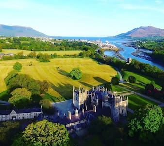 Number 6 Narrow Water Castle