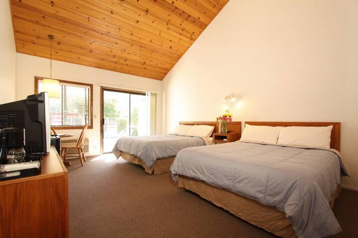 Pioneer Inn & Suites - 111 Dual Queen