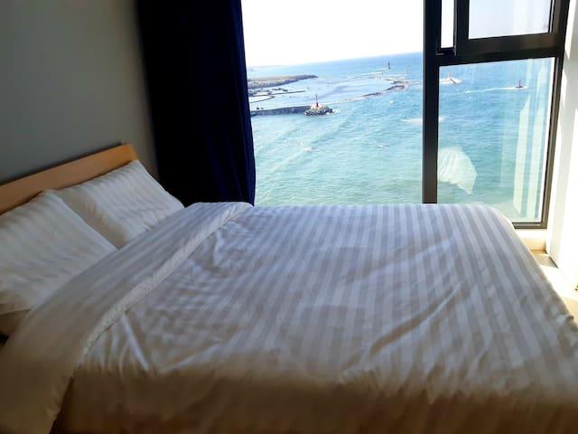 '제주소랑'#3 공항10분거리에위치한 통유리 시원한 Ocean View!!!