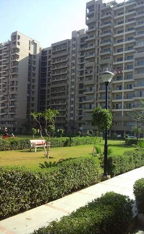 Perfect getaway in Haryana. 3bhk flat ,6 guests