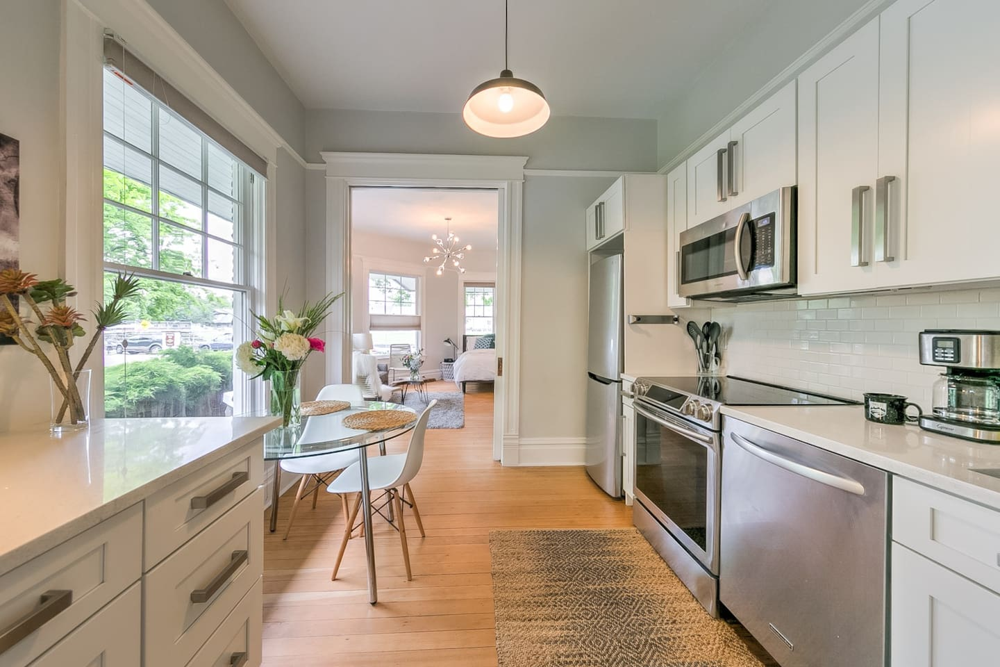 Light, airy 10' ceilings combining historic charm & modern renovation