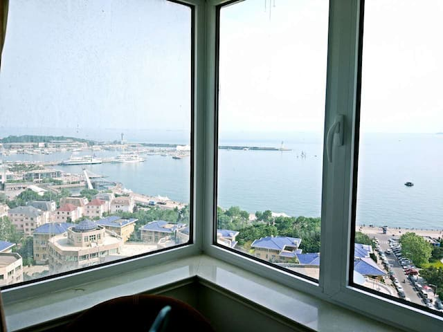 A room with Private Bathroom   98 meters from sea - Qingdao - Apartament