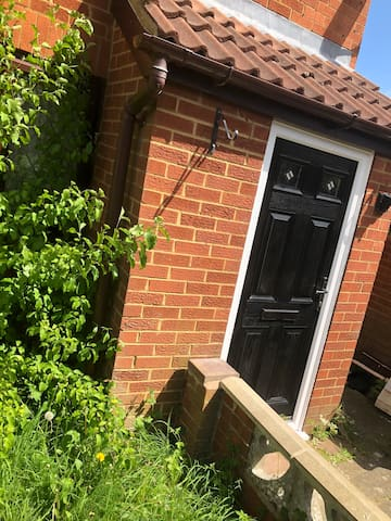 One Bedroom - Safe and Secure  Home in Barton Hill