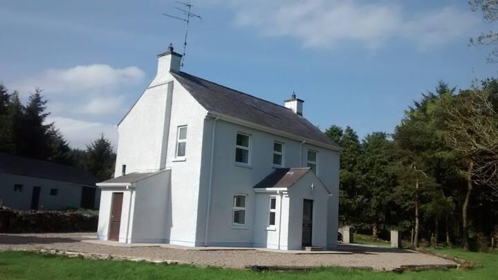 Traditional Irish Farmhouse in Rural Retreat