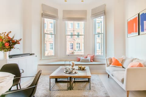 Smart Boutique Flat in an Earls Court Victorian House London