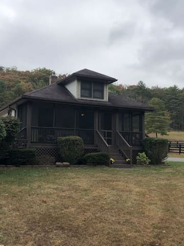 Little Springs Farm Getaway/Pet friendly