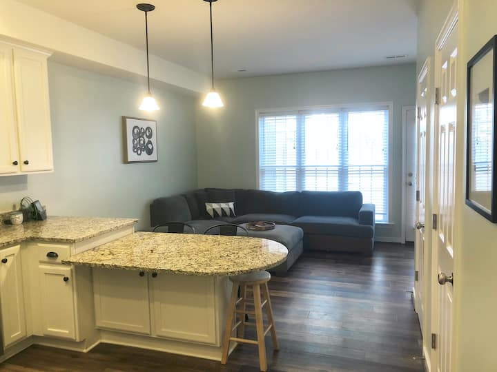 Updated Townhome near VA's Best Wineries/Breweries
