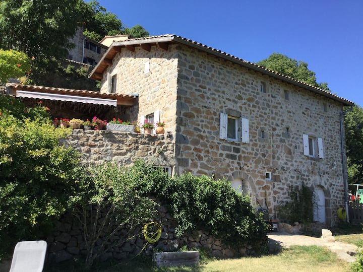 La Madeleine maison familiale a Laviolle
