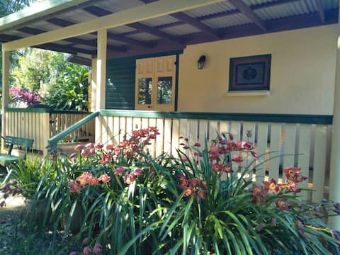 Bromeliad Cottage - Quiet, Self-Contained
