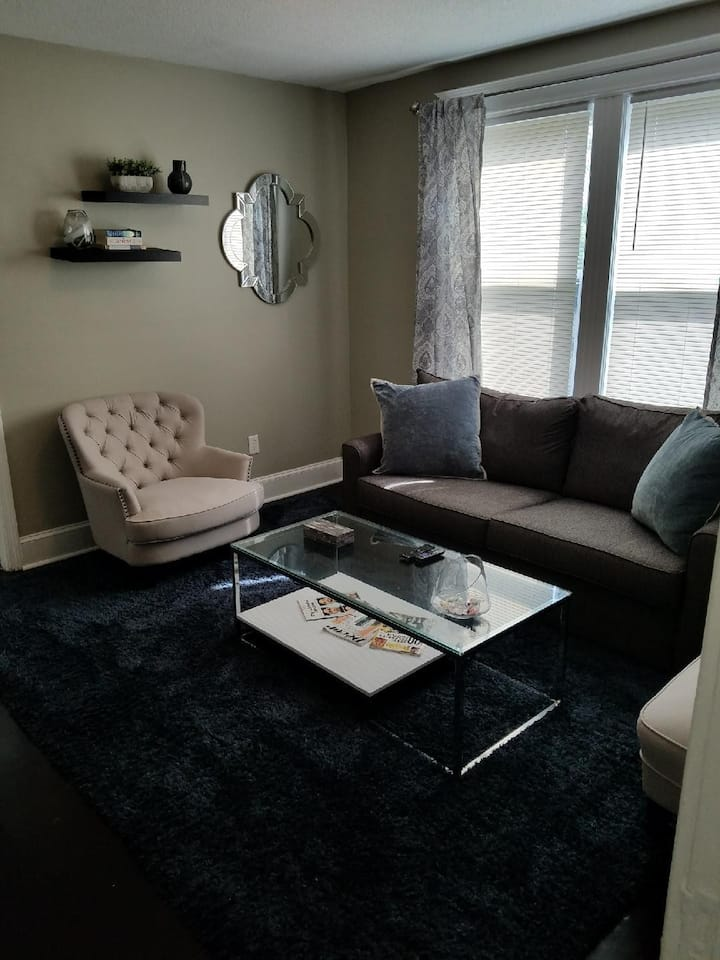 BEAUTIFUL PRIVATE APARTMENT IN HARTFORDS WEST END