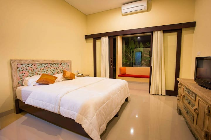 Peacefull room in green area of Sanur - Denpasar Selatan - Ξενώνας
