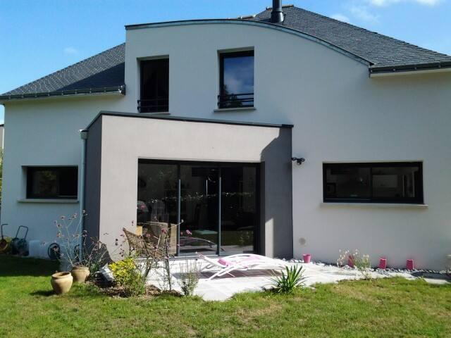 Maison familiale lumineuse toutes commodités - Saint-Avé