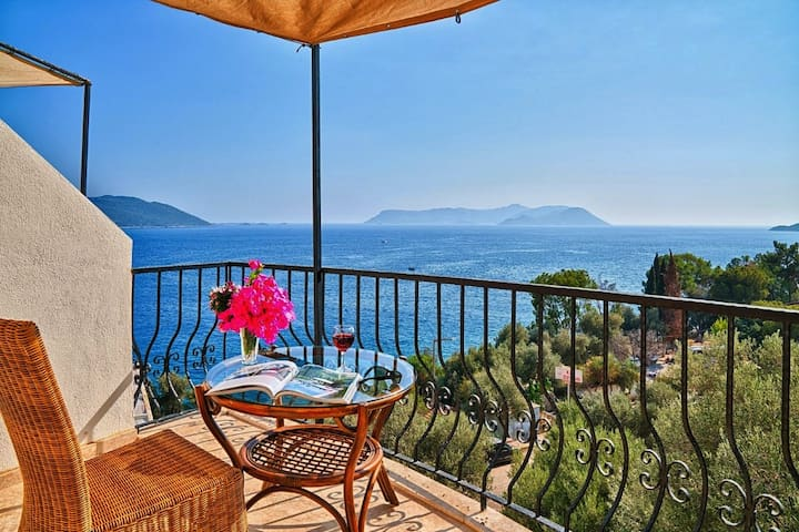 Paradise 4: Everything is at your reach in Kaş...