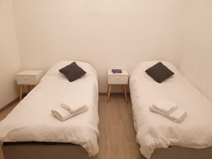 Priv Room in Italia Neighborhood - 300m to Subway
