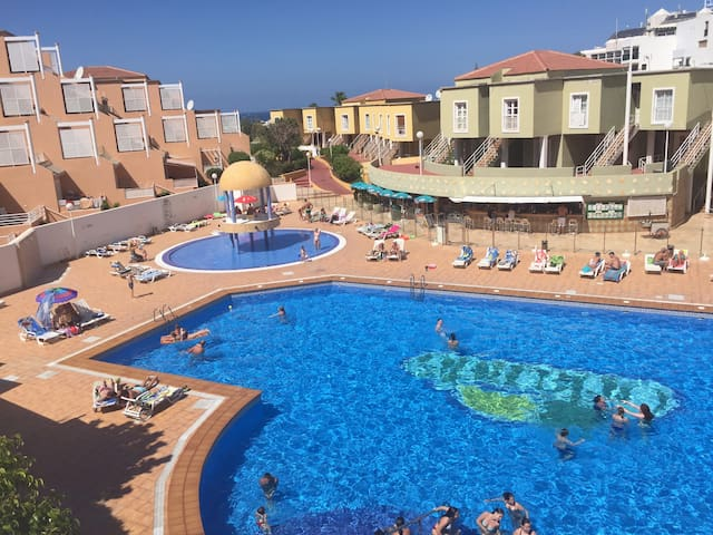 1  bedroom apt  sunny balcony sea and pool views
