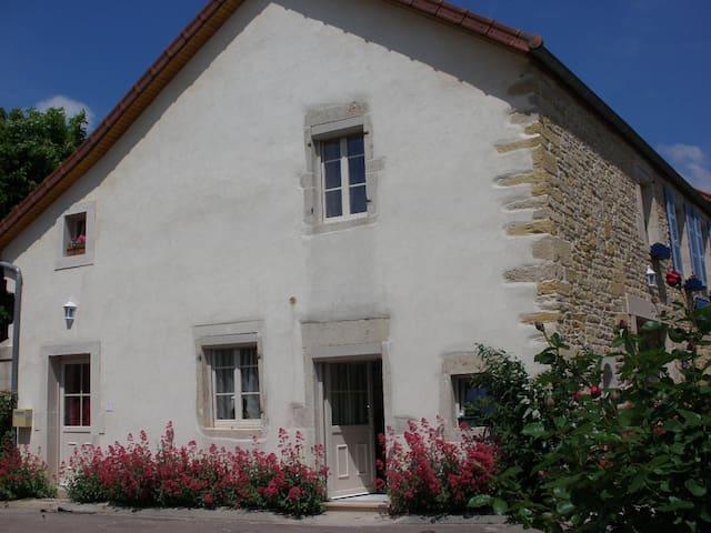 logis saint martin - Magny-lès-Villers - House