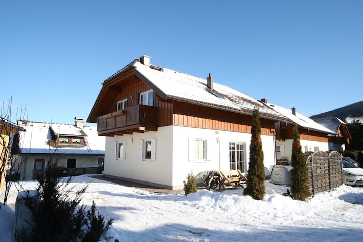 Affluent Holiday Home in Sankt Margarethen with Sauna