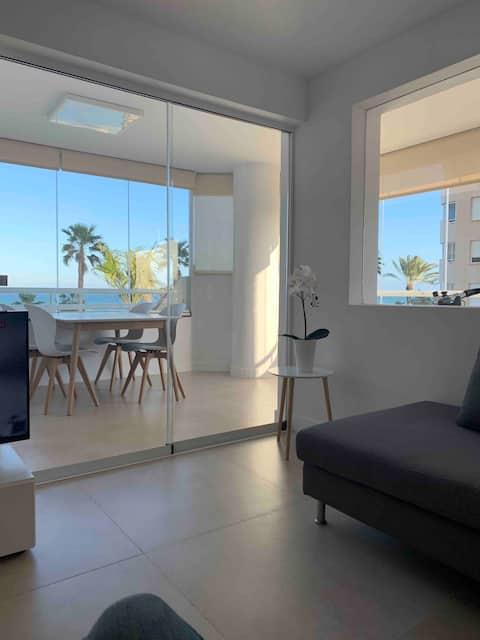 Роскошная квартира с видом на море