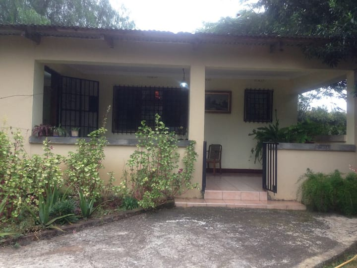 Beautiful guest cottage near Arusha Airport