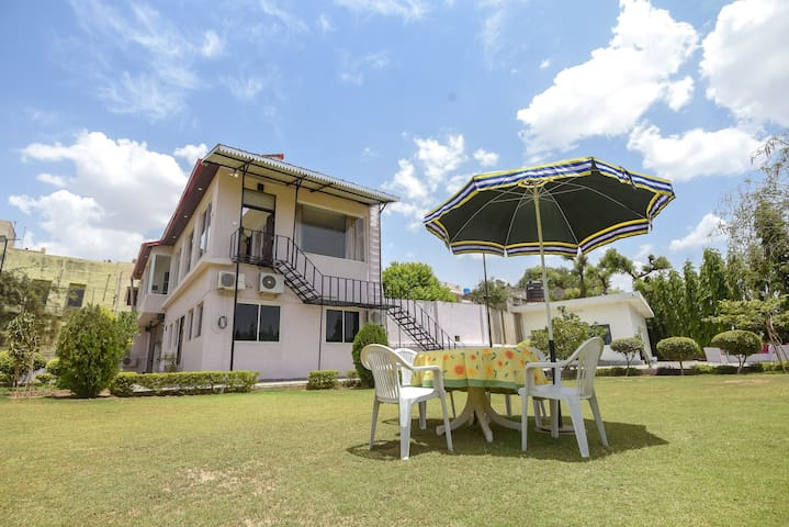 Family Vacay in Green Set - Ground Floor Apartment