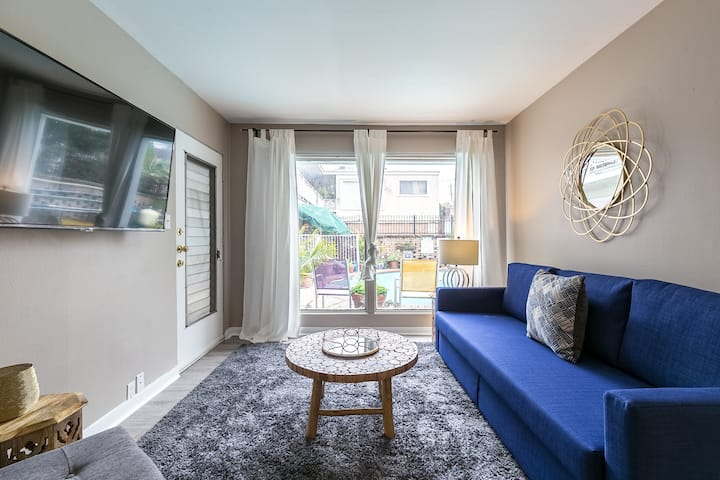 1BR Louvers Wald 1 | Downtown Med Center Stadium