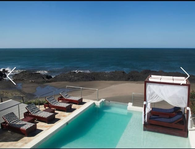 Favorito Luxury Beach rental House