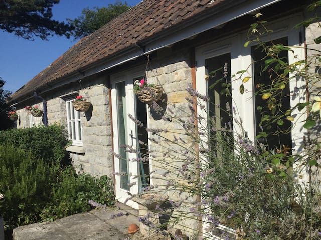 Boutique self catering ,Glastonbury - Glastonbury  - Cabin